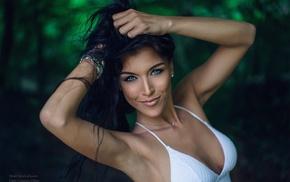 arms up, blurred, model, Gina Carla, armpits, blue eyes
