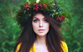 crowns, fruit, model, blue eyes, girl outdoors, brunette