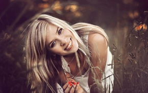 blonde, depth of field, blue eyes, long hair, smiling, red nails