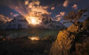 snowy peak, sun rays, Torres del Paine, lake, nature, mountain