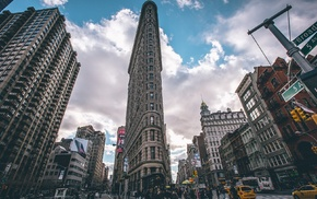 Flatiron Building, New York City, cityscape, taxi, clouds