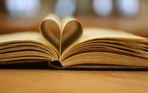 depth of field, hearts, books