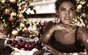 orange fruit, Bianca Balti, table, brunette, shadow, sitting