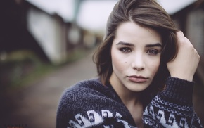 Julia Coldfront, brown eyes, brunette, face, looking at viewer, depth of field