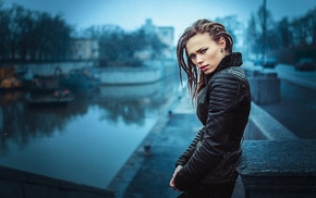 dreadlocks, girl, rain, depth of field, black clothing