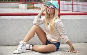 hot pants, bangles, baseball caps, sunglasses, blonde
