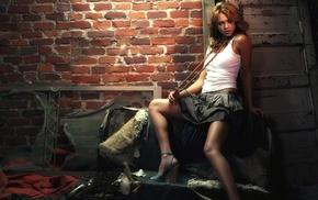 white tops, Jessica Alba, bangles, necklace, girl, sitting