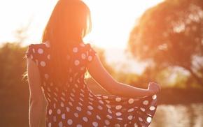 natural light, long hair, dress, sunlight, depth of field, girl outdoors
