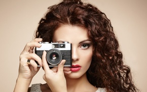 tank top, makeup, simple background, girl, Lorde, camera