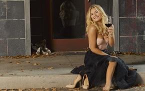 blonde, Elisha Cuthbert