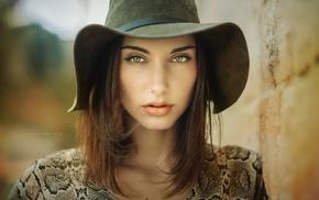 juicy lips, face, depth of field, brunette, girl, portrait