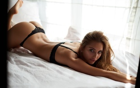 legs up, black bras, ukasz Ratajak, tanned, back dimples, Paulina Mikoajczak