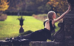Kirsten Owen, blonde, black dress, bangs, girl outdoors, dress