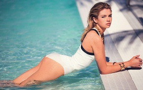 Stella Maxwell, one, piece swimsuit, blonde, looking at viewer, wet body