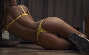 tanned, on the floor, bubble butt, Ura Pechen, girl, bra