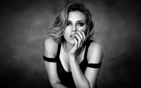 monochrome, Scarlett Johansson
