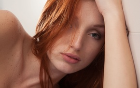 model, redhead, Michelle H. Paghie, in bed