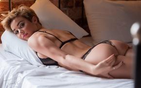 ass, Rosie Robinson, blonde, black lingerie, in bed, short hair