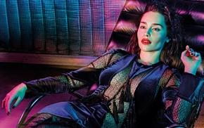 red lipstick, deck chairs, green eyes, brunette, Emilia Clarke