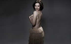 strategic covering, Hayley Atwell, holding boobs, model, arms on chest
