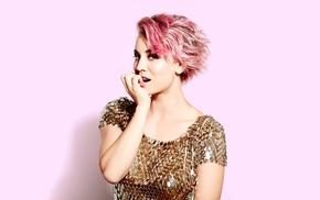 pink, Kaley Cuoco