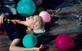 wooden surface, balloons, Jessica Stam, rose, open mouth, dress