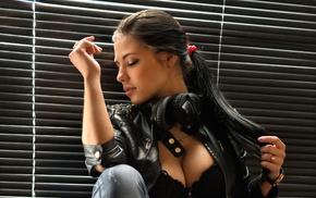 model, girl, Marina Shimkovich, black bras, headphones, closed eyes