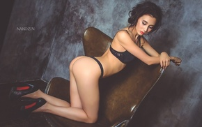 closed eyes, black lingerie, wall, kneeling, high heels, Inna Kuznetsova