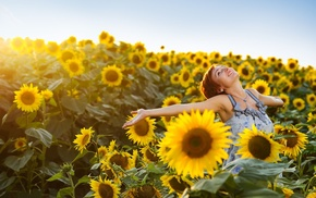 girl outdoors, armpits, smiling, sunflowers, model, happy