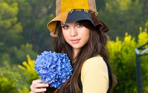 Selena Gomez, brunette, girl outdoors, actress, millinery, girl