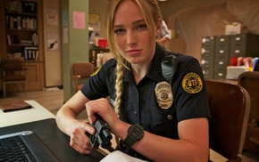 blonde, Death Valley, Glock 17, police, USA, Caity Lotz