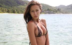 natural boobs, model, tan, brunette, boobs, bare shoulders