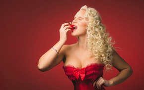 cleavage, blonde, strawberries, model, girl, curly hair