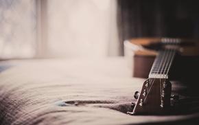 guitar, bed