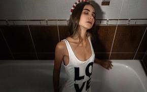 bathtub, girl, T, shirt, skinny