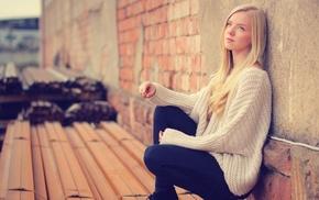 looking away, jeans, blonde, teen, model, hair
