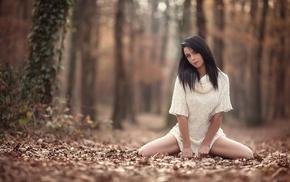 brunette, girl outdoors, depth of field, model, straight hair, Laurent Kac