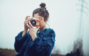 fur coats, black nails, girl outdoors, camera, brunette, painted nails