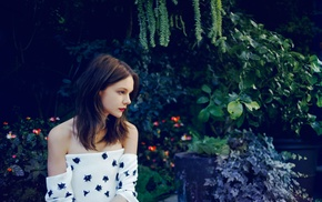looking away, girl, strapless dress, brunette, Carey Mulligan, forest