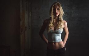 portrait, blonde, girl, juicy lips, tank top, jeans