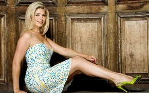 high heels, girl, mature girl, blond hair, Holly Willoughby, dress