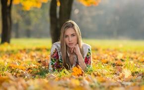 depth of field, girl outdoors, blonde, bracelets, long hair, leaves