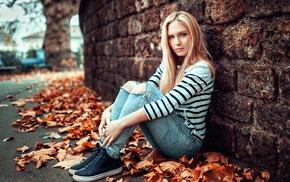 blonde, Eva Mikulski, Lods Franck, fall, wall, urban