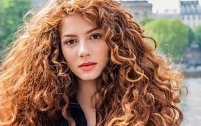 long hair, looking at viewer, Jenna Thiam, curly hair, girl