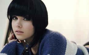 sweater, Melissa Clarke, blue eyes, brunette, striped sweaters, face