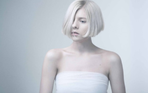 looking away, norwegian, girl, white hair, Aurora Aksnes, musician